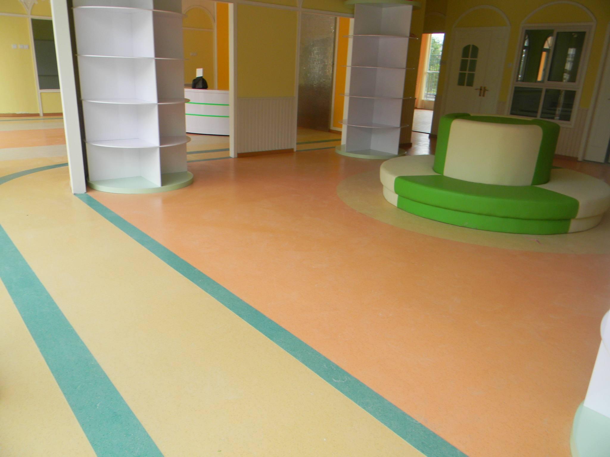 西安PVC塑胶地板铺设厂家